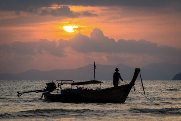 Приватный круиз на лонгтейл лодочке на о. Тан и к островам Пять Сестёр, остров Самуи, Таиланд