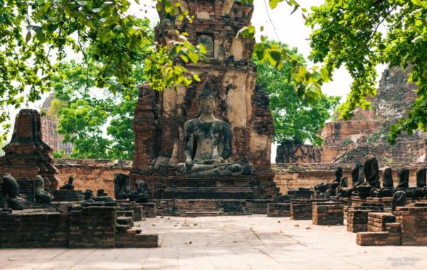 wat mahathat buddha ayutthaya