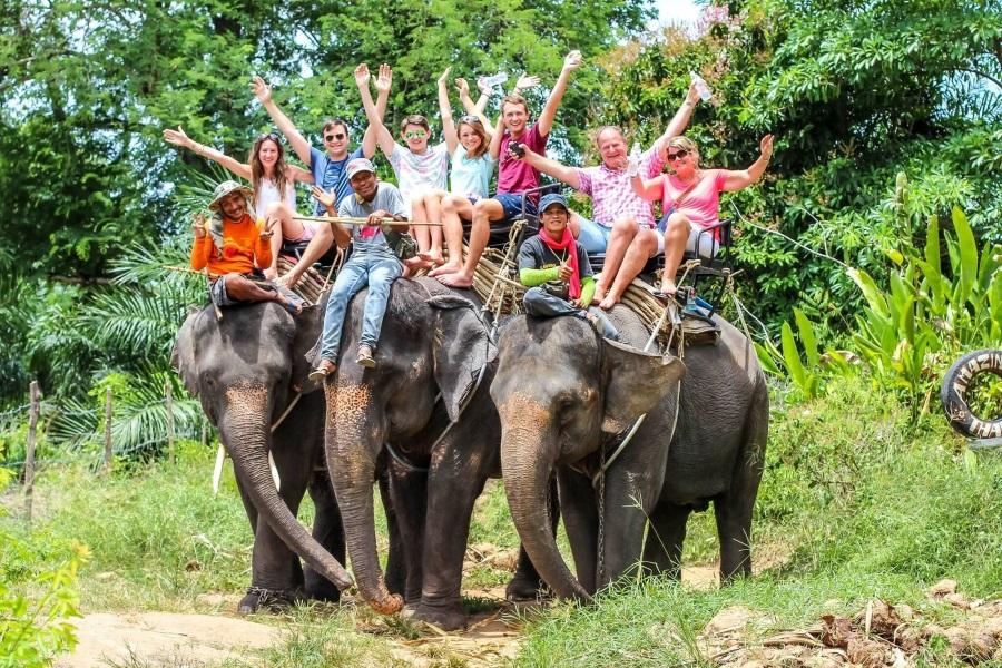Катание на слонах для детей и взрослых, остров Самуи, Таиланд