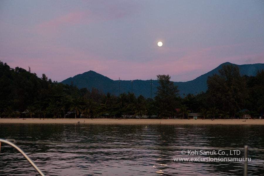 Дневные круизы на катамаране Наутинесс, остров Самуи, Таиланд